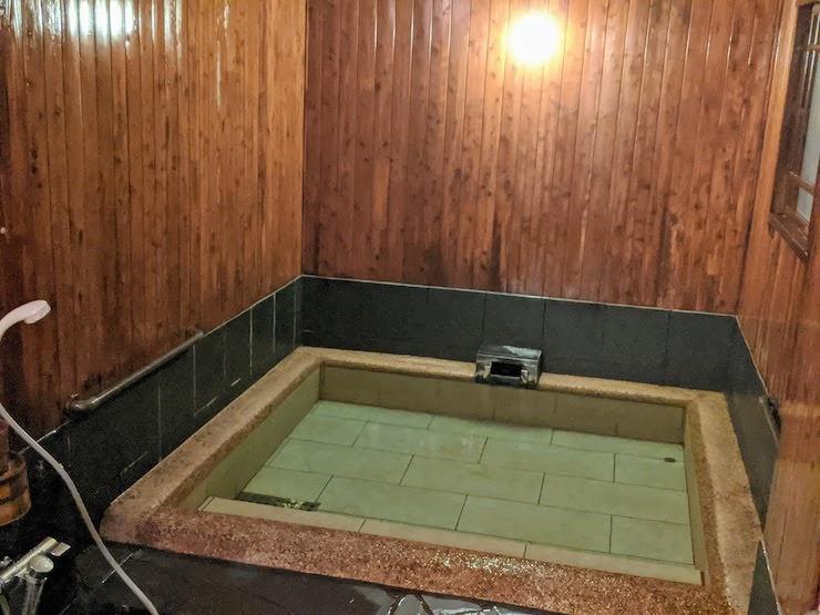 貸切風呂 里の湯