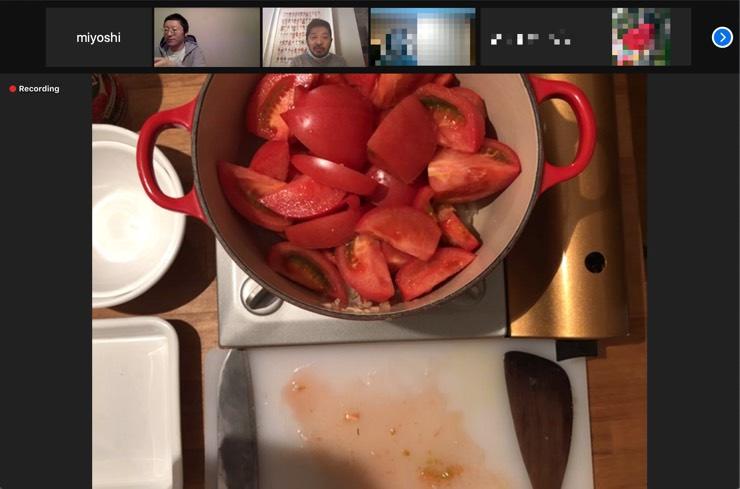 オンライン料理教室の調理の様子