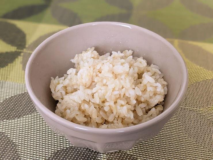 お茶碗に盛ってしまえば完全に玄米です